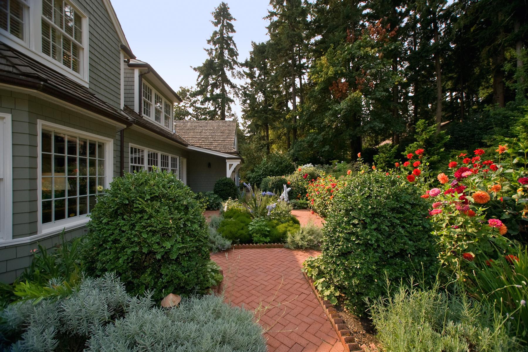Additional photo for property listing at Breyman Avenue 12045 SW Breyman Avenue Portland, Ορεγκον,97219 Ηνωμενεσ Πολιτειεσ
